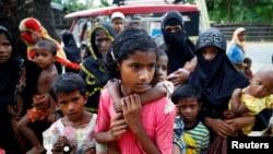 د روهینگیا نوي کډوال په بنگله دیش کې نوي کمپ ته ورځي؛ د اگست ٢٩ مه ٢٠١٧ م کال