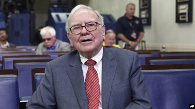 Warren Buffett is interviewed in the White House Briefing Room in Washington, July 18, 2011