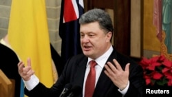 11일 호주를 방문한 페트로 포로센코 우크라이나 대통령이 호주 멜버른의 한 교회에서 연설하고 있다.