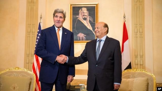 El secretario de Estado, John Kerry, sostuvo una