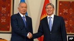 Prezidentlar Islom Karimov av Almazbek Atambayev
