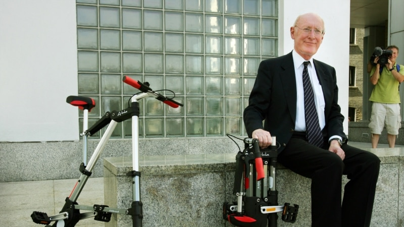 Clive Sinclair, Computing Pioneer, Dies at 81...