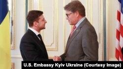 Голова делегації США Рік Перрі та президент України Володимир Зеленський