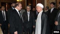 نخست وزیر پاکستان در سفر به تهران با اکبر هاشمی رفسنجانی دیدار کرد