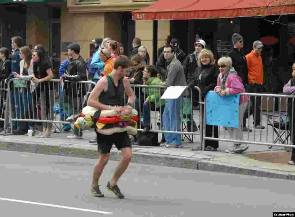 Photos of the two suspects near the finish line of Boston Marathon. (Courtesy Bob Leonard)
