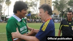 Los mandatarios acudieron a la cita con sus gabinetes y reconocidos jugadores de sus selecciones nacionales.