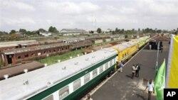 Tashar jiragen kasan Nigeria dake birnin Ikko ke nan inda jami'an hukumar zirga-zirgar jiragen kasa ke fatan kashe kudi Dala miliyan 166 domin ayyukan sake farfado da ayyukan zirga-zairgar jiragen kasa a Nigeria.