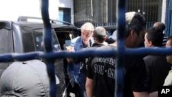 Eike Batista à chegada ao Rio de Janeiro