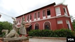 Inside Cambodia's Oldest Fine Arts University