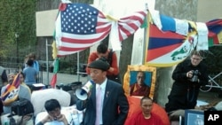 Tsewang Rigzin of Tibetan Youth Congress and hunger strikers, Mar 22, 2012.