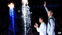 Kevin Cordes (phải) và Josh Prenot sẽ tranh tài ở nội dung 200 mét ếch.