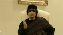 هواپیماهای جنگده ناتو به محل اقامت معمر قذافی، رهبر لیبی در طرابلس، چند ساعت پس از ظاهر شدن او در تلویزیون، حمله کردند ۱۲ مه ۲۰۱۱
