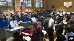 Ամերիկացիները քվեարկում են 2012 թվականի նախագահական ընտրությունների ընթացքում