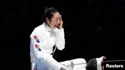 31일 여자 펜싱 에페 개인 4강전에서 역전패한 한국의 신아람 선수.