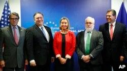 وزیران امور خارجه و انرژی آمریکا به همراه فدریکا موگرینی