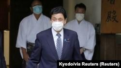 日本防衛大臣岸信夫參拜靖國神社。(2021年8月13日)