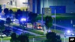 Ambulancia en la que fue transportado el paciente que murió de ébola en Leipzig, Alemania.