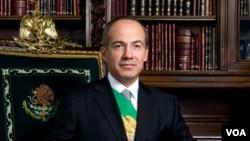 Presiden Meksiko, Felipe Calderón memberikan pidato nasional hari Jumat (2/9).