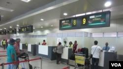 Aeroportos moçambicanos vão ser concessionados a privados
