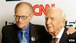 Desde el 1 de junio de 1985, Larry King ha conquistado los televisores de centenares de estadounidenses.