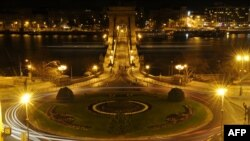 Sheshi Adam Clark i Budapestit dhe ura më e vjetër e kryeqytetit hungarez