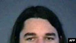 Adam Gadahn, 31 tuổi, được biết dưới nhiều bí danh như Yahya Majadin Adams và Azzam al-Amriki