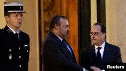 Le président français Francois Hollande avec le roi du Maroc Mohammed VI à l'Elysée, Paris, le 20 novembre 2015. (REUTERS/Philippe Wojazer)