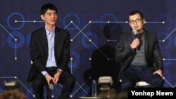 10일 서울 종로구 포시즌스 호텔에서 '구글 딥마인드 챌린지 매치' 후 열린 기자회견에서 알파고의 개발자 데미스 하사비스 구글 딥마인드 최고경양자가 기자들의 질문에 답하고 있다. 왼쪽은 이세돌 9단.