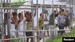2014年3月21日巴布亚新几内亚马努斯岛拘留所的寻求庇护者