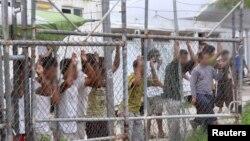 پناهجویانی که در بازداشتگاه پاپوا گینه نو نهگداری می شوند - آرشیو