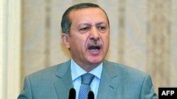 თურქეთი ქურთების სამიზნეებს უტევს