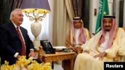 دیدار وزیر خارجه آمریکا و پادشاه عربستان
