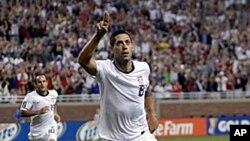 Tiền đạo Clint Dempsey của đội tuyển Mỹ