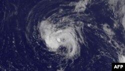 Hình ảnh bão Earl chụp từ vệ tinh.