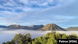 Kawasan wisata Bromo, Tengger Semeru, Jawa Timur (Foto: VOA/ Petrus Riski)
