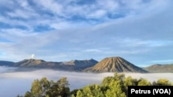 Kawasan wisata Bromo Tengger Semeru yang menjadi Ikon Jawa Timur akan menjadi salah satu kawasan yang dikembangkan sesuai Petpres 80 Tahun 2019 (Foto: VOA/ Petrus Riski)