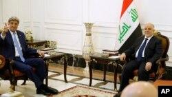 8일 이라크 바그다드를 방문한 존 케리 미 국무장관(왼쪽)이 하이데르 알아바디 이라크 총리와 만남을 가졌다.