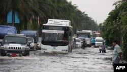 Внаслідок повеней у Таїланді загинуло майже 300 осіб