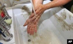 감기 예방을 위해서 손을 자주 씻는 습관이 중요하다.
