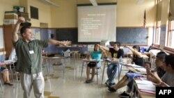 Các trường học tìm cách để có thể tiếp tục các chương trình bổ túc mùa hè.