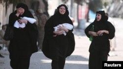 پس از تصرف شهر منبیج، مردم به شمول زنان و کودکان توسط نیروهای کردی، به مناطق امن شهر انتقال داده شده اند.