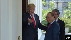 Thủ tướng Việt Nam hoan nghênh tổng thống Mỹ dự hội nghị APEC vào tháng 11/2017