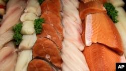 El pescado contiene nutrientes importantes que tienen un impacto positivo en el crecimiento y el desarrollo de los niños.
