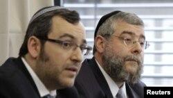 Anggota Konferensi Rabi Eropa di Berlin, Jerman, saat menanggapi keputusan pengadilan Cologne yang melarang praktik sunat. (Foto: Dok)
