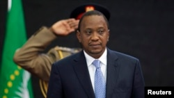 Perezida wa Kenya, Uhuru Kenyatta ari mu nama y'iterabwoba taliki ya 2 y'ukwezi kwa cyenda 2014.