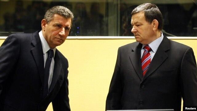 Ante Gotovina (levo) i Mladen Markač zajedno u sudnici Tribunala