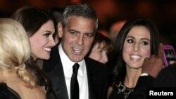 Clooney ha participado en otros eventos del presidente Obama, como la cena anual de corresponsales de la Casa Blanca en abril.