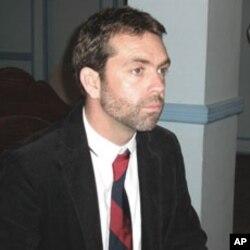 برٹش کونسل کے مشیر ٹونی کیپسٹک