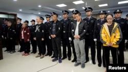 中国河北邢台法院2019年11月7日判处向美国走私贩运芬太尼的9人的刑罚。