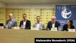 Predstavnici lokalnih vlasti, USAID i Transparentnost Srbija (TS) na predstavljanju Indeksa transparentnosti lokalne samouprave, Foto: VOA